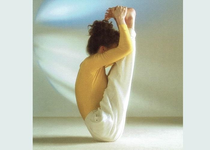 Urdhva Mukha Pashchimottanasana-Sivananda Yoga Centro
