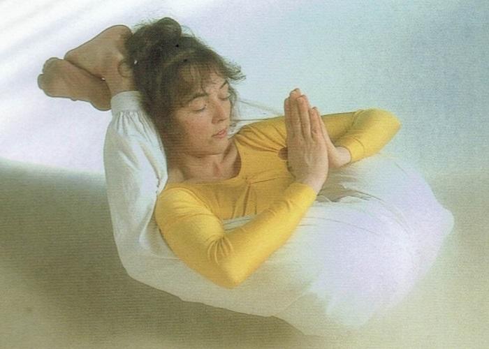 Yoganidrasana-Sivananda Yoga Centro