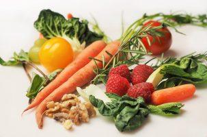 Gesunde Ernährung-Bild von Deborah Breen Whiting auf pixabay